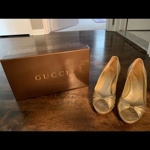 Gucci wedges!!!